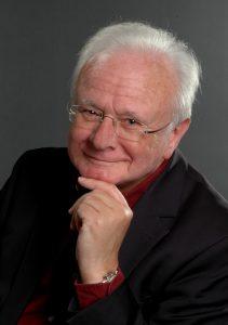 Autor Bruno Woda liest im Blauen REformkios, Fürth, aus seinem zweiten Roman